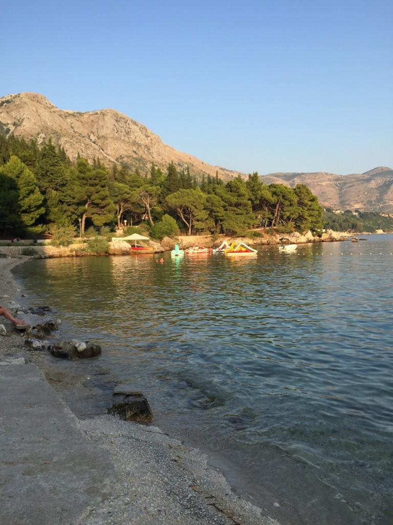 Пляж в Сребрено, в двух шагах от Млины