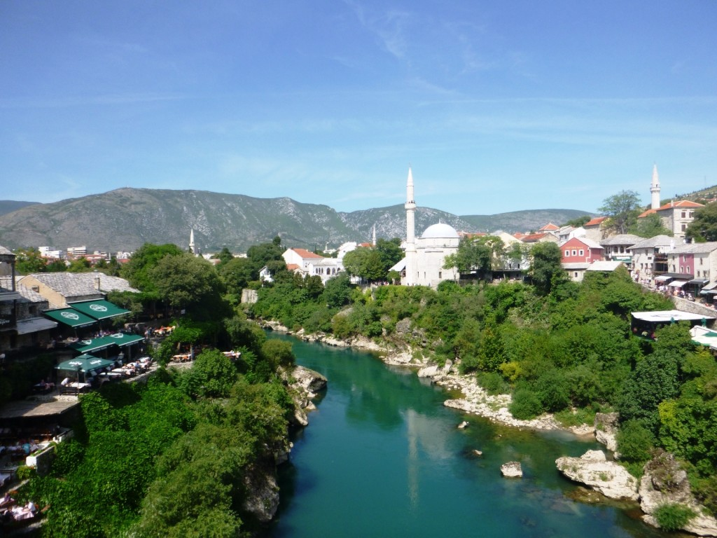 Вид с моста против течения Неретвы