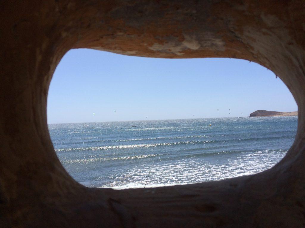 А еще в нее можно смотреть на океан